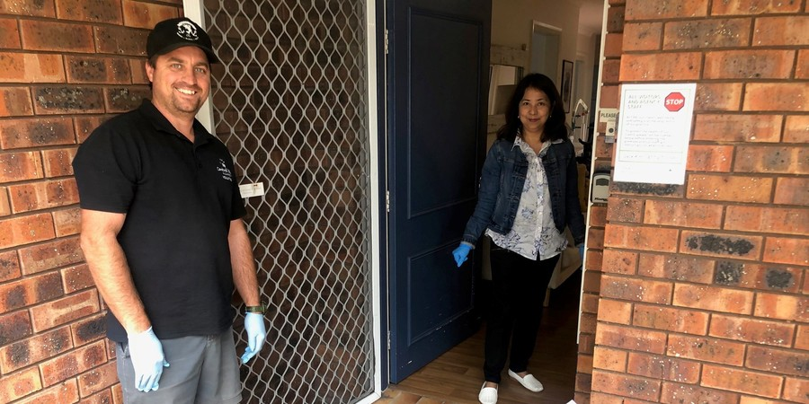 Volunteers Paul Baddock & Drew Bugden help accommodation houses with donations during lockdown