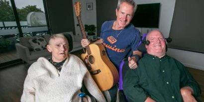 The Allambie Heights couple who fell in love over a song